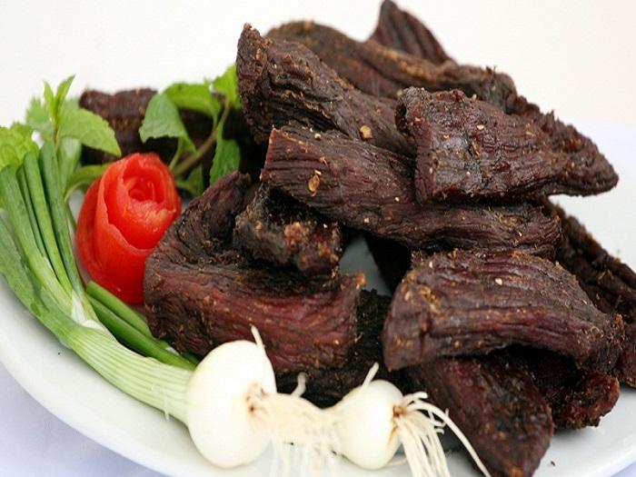 Thưởng thức đặc sản thịt trâu gác bếp Sapa ngon tuyệt